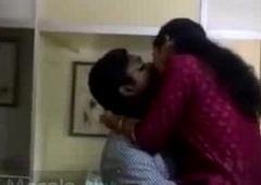 Horny mallu paramours caught having relaxation in office