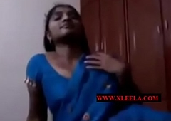 Desi Aunty Cloth change -xleela.com