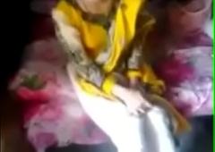 मुस्लिम लड़की की रोड़ पर चुदाई