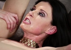 Russian man get the drift of in a crazy MILF'_s house - India Summer