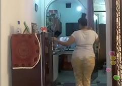 Hot desi indian bhabi shaking her sexi ass andboobs on bigo live...1